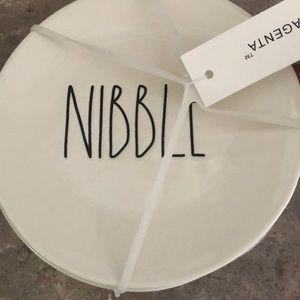 New 4 piece Rae Dunn plate set